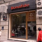 Excelente opção de cafeteria, estão por todo lado em Santiago