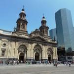 Catedral Metropolitana: o contraste do moderno e do antigo na Plaza de Armas
