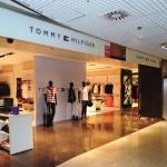 As marcas foram divididas por lojas separadas
