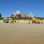 Como existe a faixa de conservação, não há muvuca perto da praia