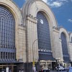 A fachada imponente do Abasto