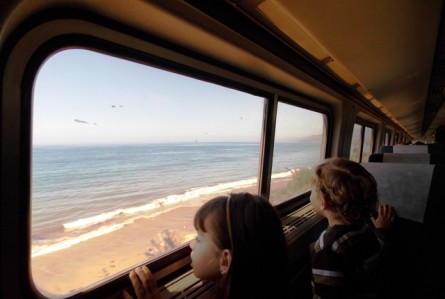 Viajando de trem pela costa da Califórnia