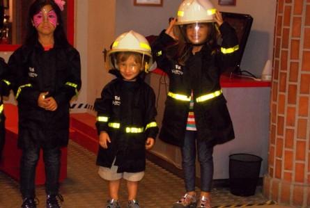 KidZania de Santiago: crianças brincando de serem adultos