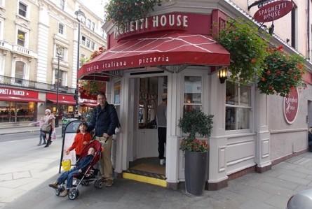 Cozinha italiana com menu infantil em Londres